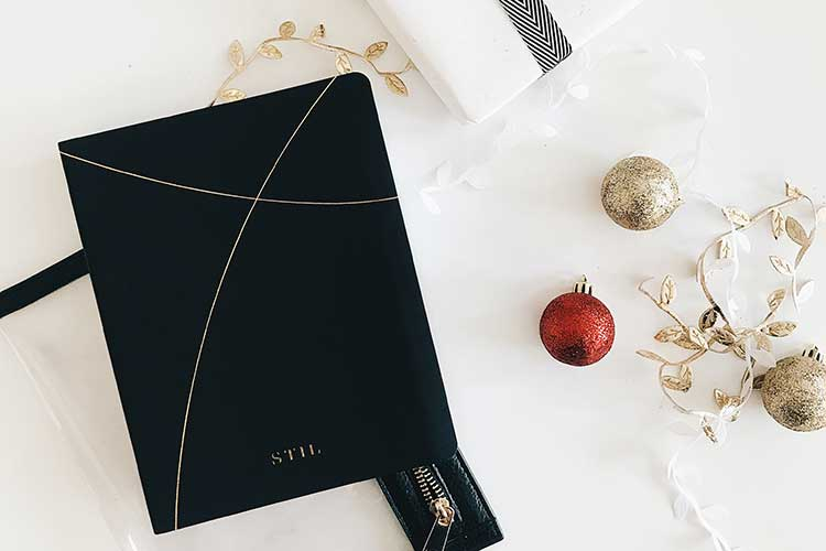 notebook-holiday-present